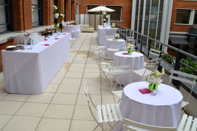 Aménagement de terrasse pour réception haut de gamme.