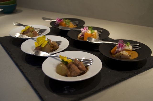 Exemples de plats à base de poisson, de viande ou végétariens.