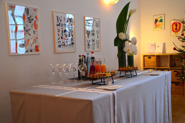 La présentation du buffet est soignée, les produits et les accessoires sont de qualité.